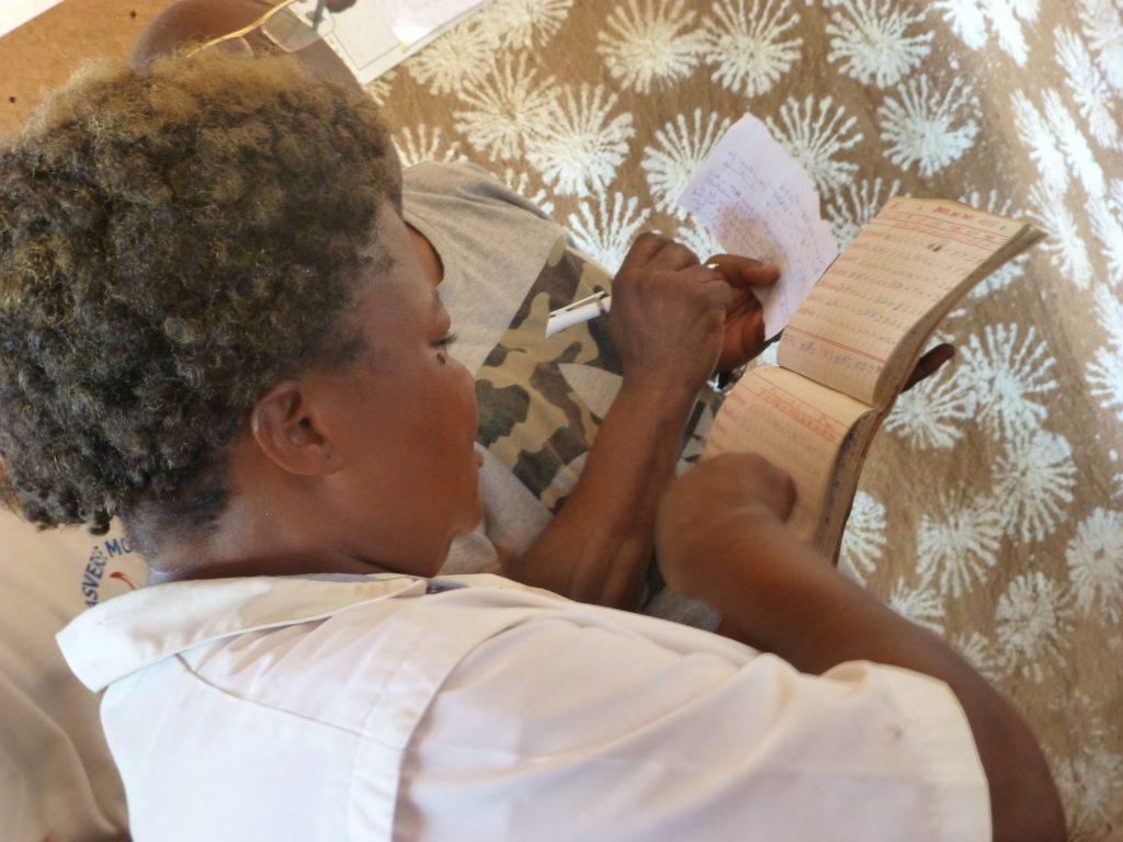 Bolala Ngbogo enfermera de Badamoni